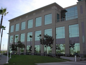 benefits_of_window_tint_for_commercial_buildings